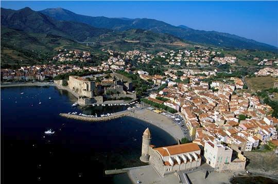 Une journ e pour visiter collioure - Restaurant l huitre y est port des barques ...