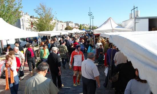 marche-quai-chartron-bordeaux