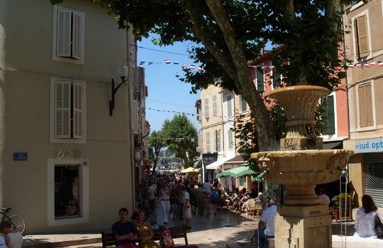 visiter_cassis_place_fontaine