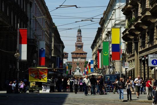 Via_Dante-Chateau-Sforza-milan