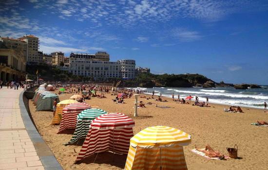 grande-plage-location-tente-biarritz