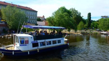 restaurant-bateau-visite-prague