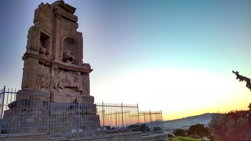 monument-philopappos-colline-athenes