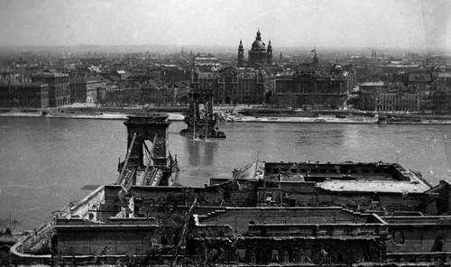 chain-pont-budapest-histoire
