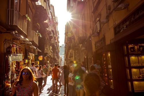 Naples-quartier-Spaccanapoli