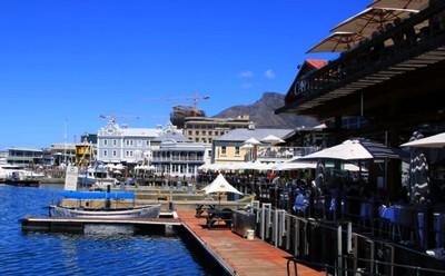 sortir-cape-town-Waterfront-bar