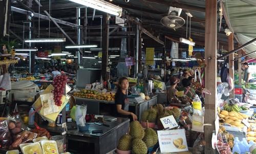 marche-artisanal-centre-ville-chiang-mail