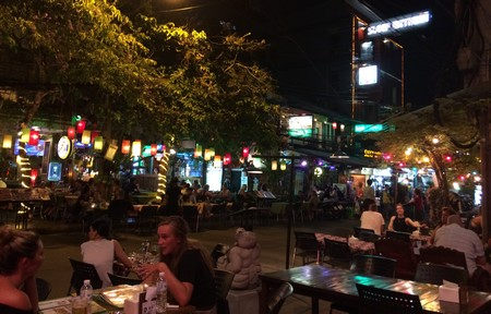 restaurant-Khaosan-Road-Phra