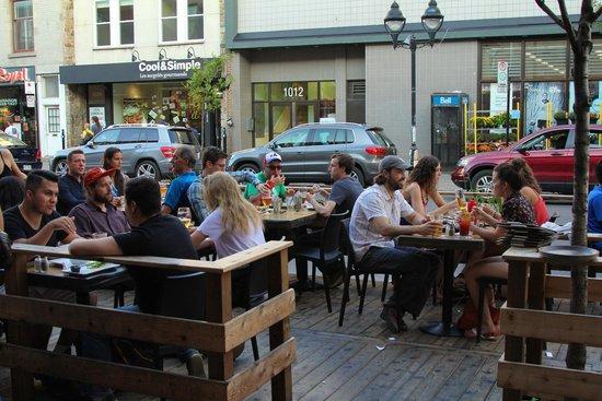 bar-rue-mont-royal