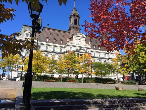 place-jacques-cartier-hotel-de-ville-montreal