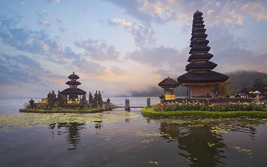 Pura-Ulun-Danu-Beratan-temple-Bali