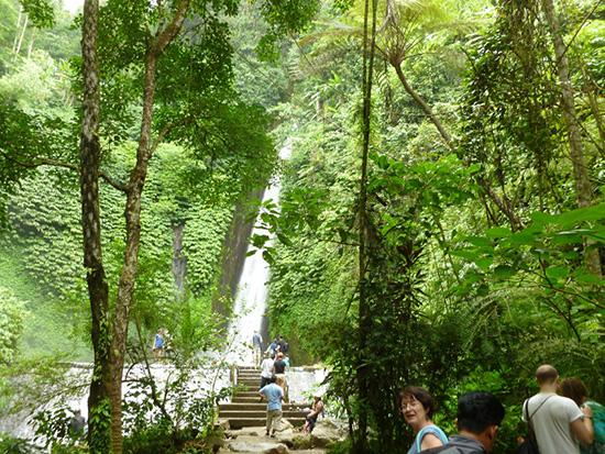 cascades-Munduk-Bali