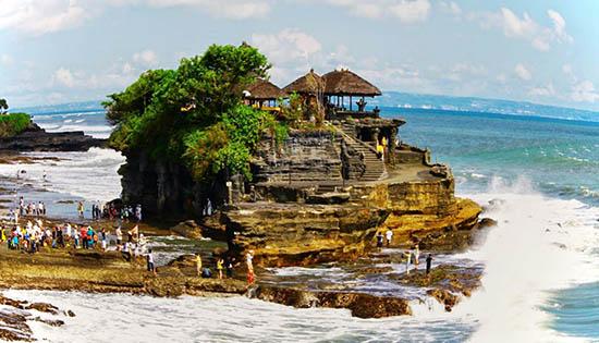 temple-magnifique-tanah-lot-Bali