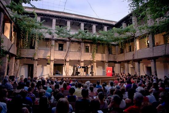 concert-Corral-del-Carbon-grenade