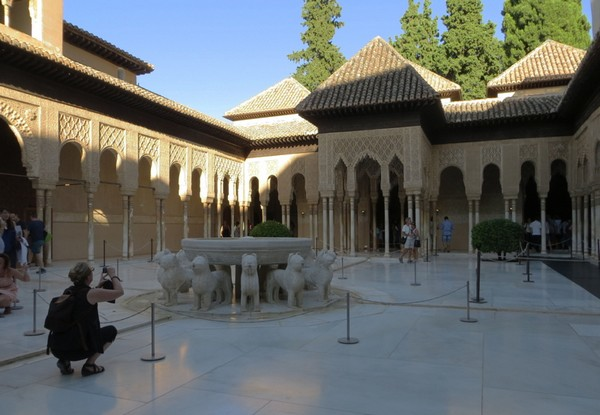 palais-des-lions-alhambra