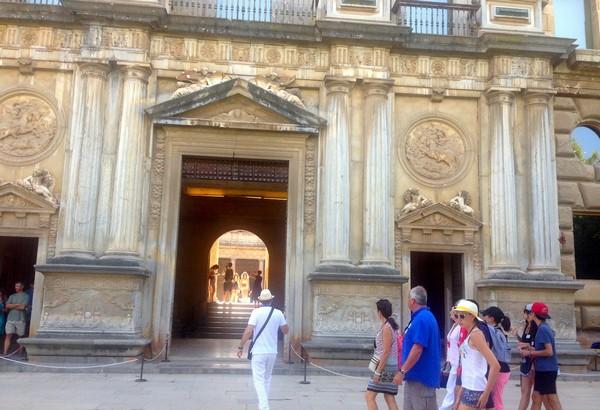 reserver-visite-guidee-francais-alhambra
