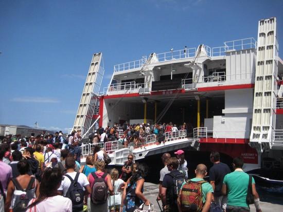 ferries-cyclades
