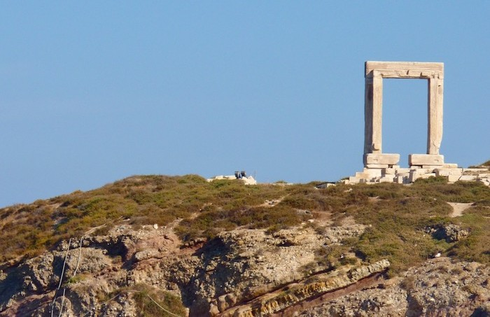 naxos-cyclades-temple-apollon-portara