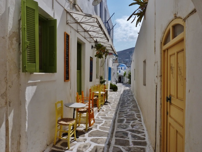 paros-cyclades-ruelles-village-parikia