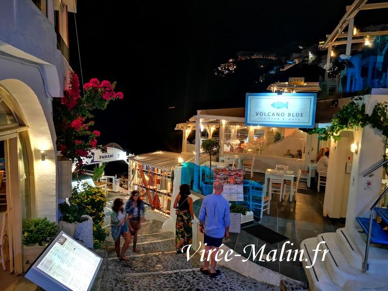 quartier-romantique-fira-restaurant