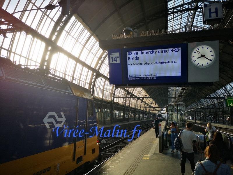 gare-amsterdam-pour-rejoindre-aeroport-schipol