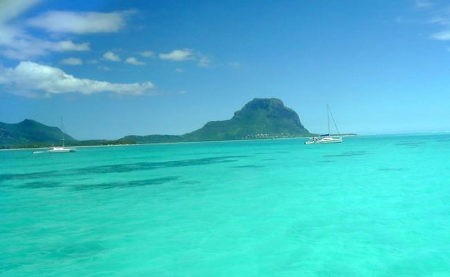le-Morne-catamaran-ile-Maurice
