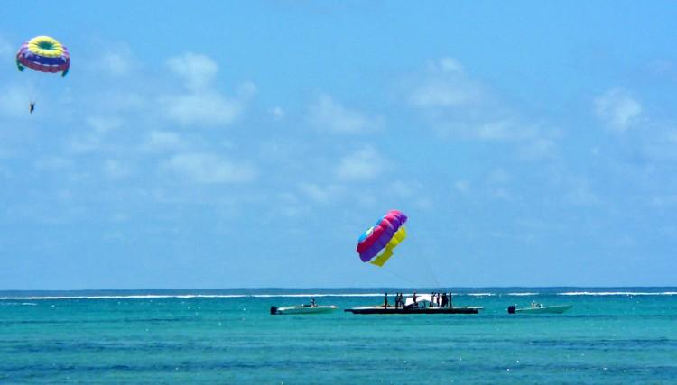 parachute-ascensionnel-ile-aux-cerfs