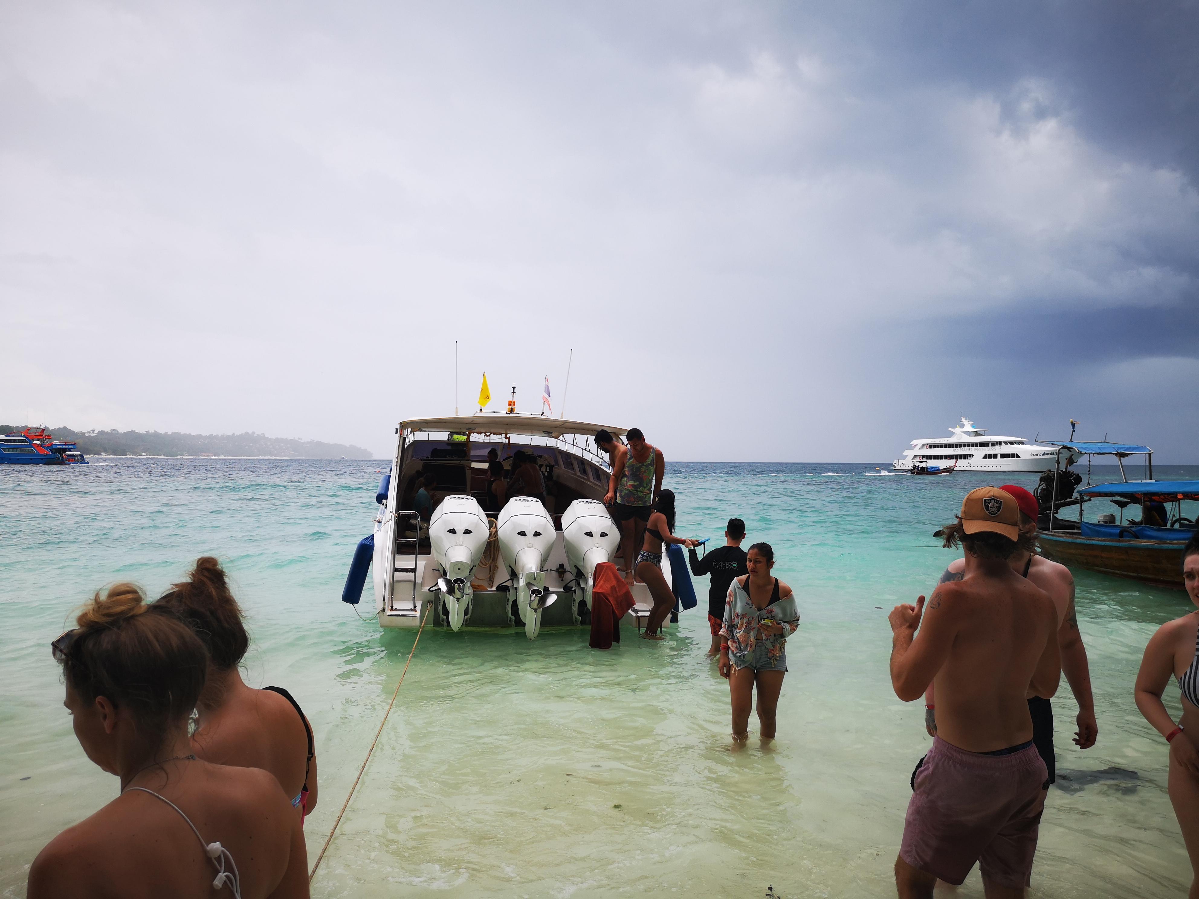 happy-boat-koh-phi-phi