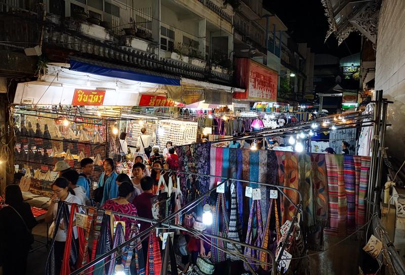 night-market-chiang-rai