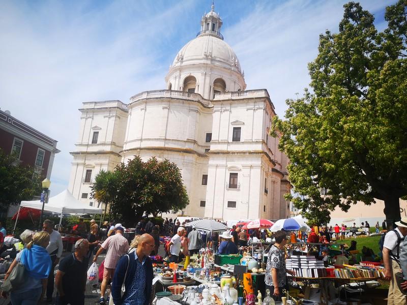 visiter-celebre-marche-alfama-lisbonne