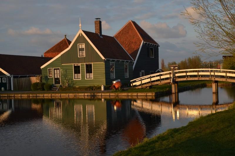 village-amsterdam-Alkmaar-LIsse-Sassenheim
