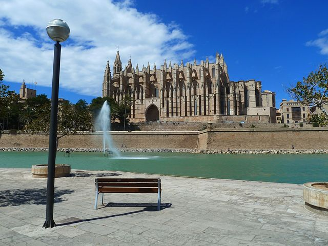 visite-guidee-en-francais-segway-cathedrale-palma