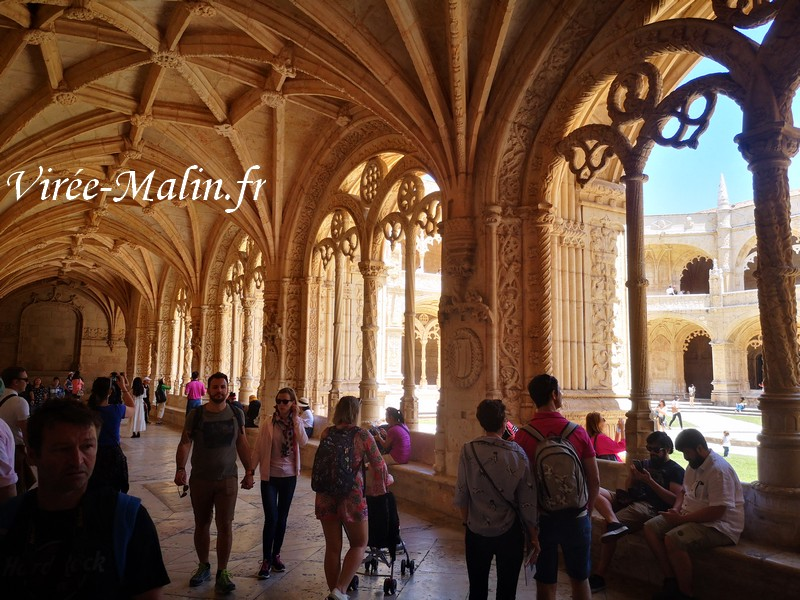 interieur-monastere-Hieronymites