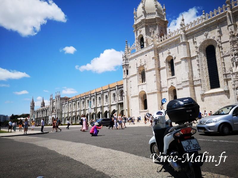 rejoindre-monastere-jeronimo-depuis-lisbonne-scooter