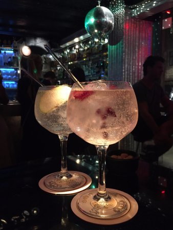 cactusbar-gin-and-tonics