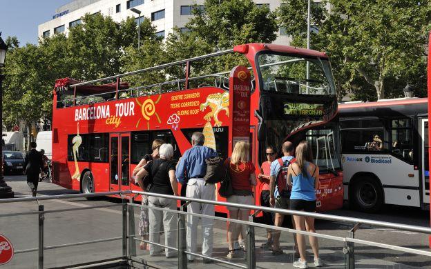 barcelona-arret-bus-touristique