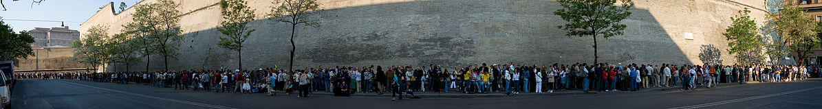 Vatican-Museum-Queue