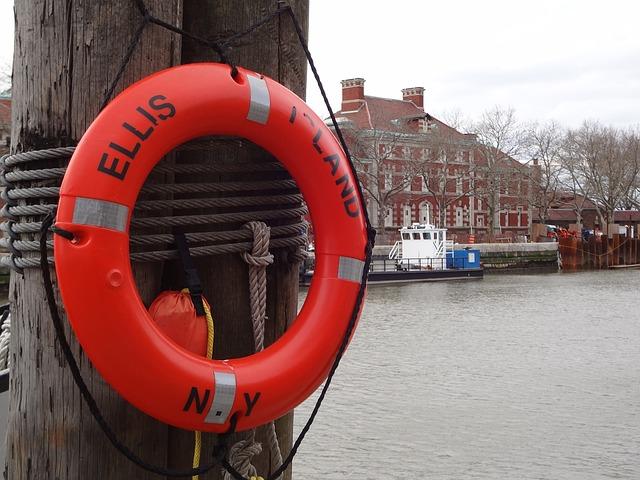 Ellis-island-ferry