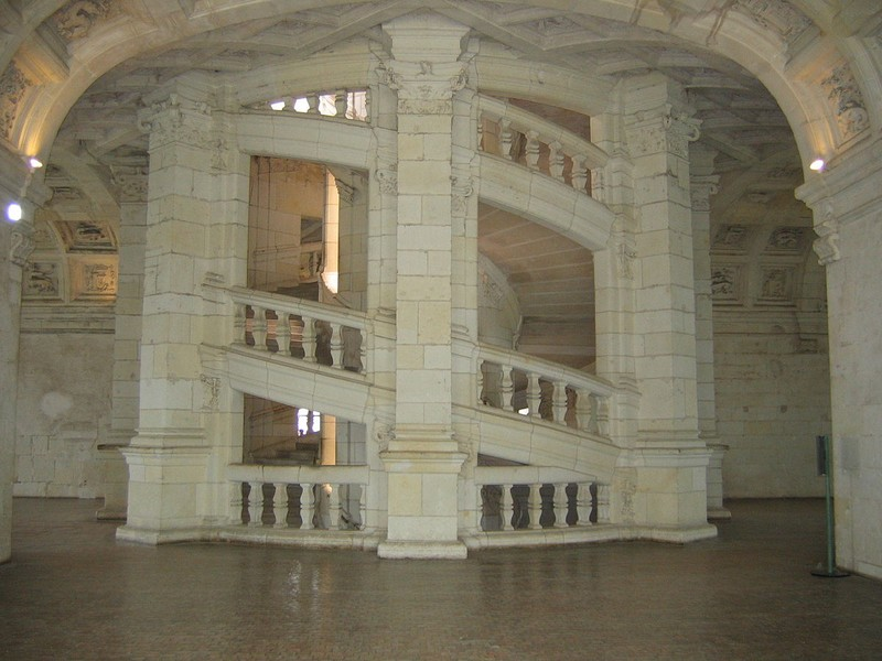 information-escalier-chateau-chambord