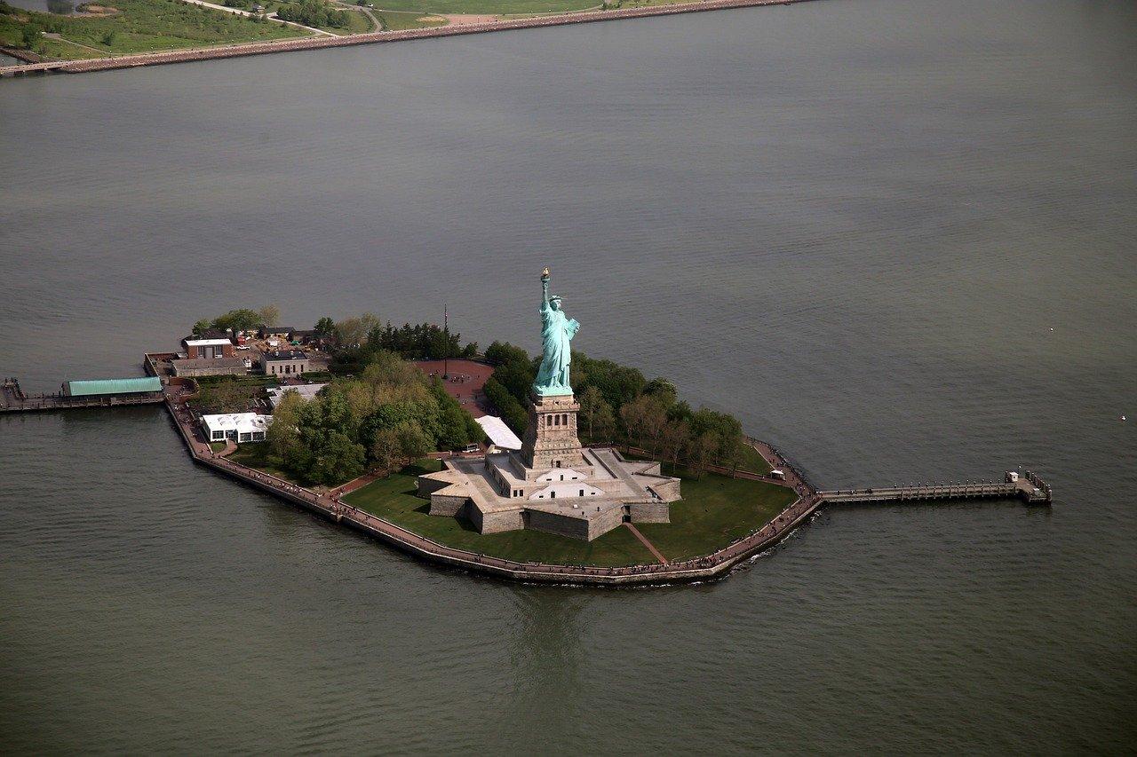 new-york-ferry-statut-de-la-liberte