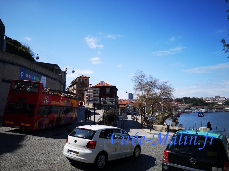 bus-touristique-passe-par-quartier-gaia