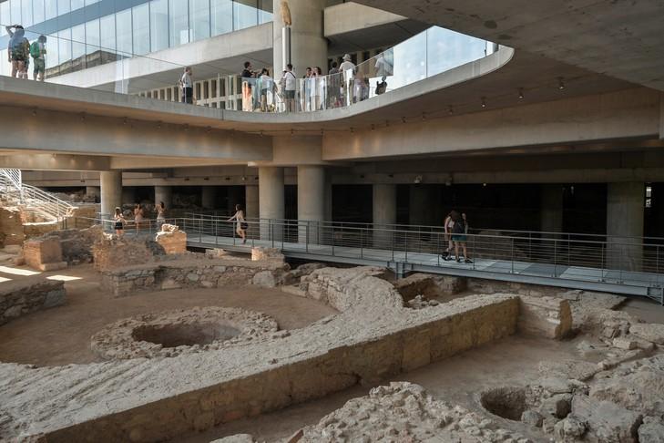 vestiges-decouvertes-le-musee-Acropole