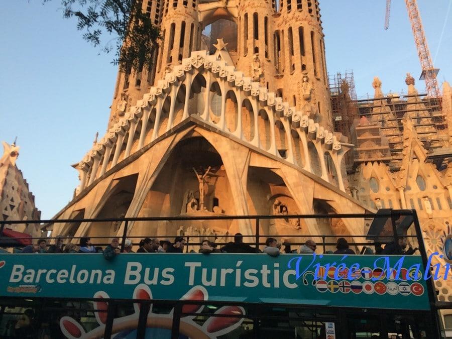 sagrada-Familia-bus-touristique