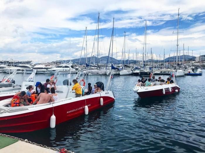 excursion-calanques-marseille-bateau-depuis-marseille-port-petit-groupe