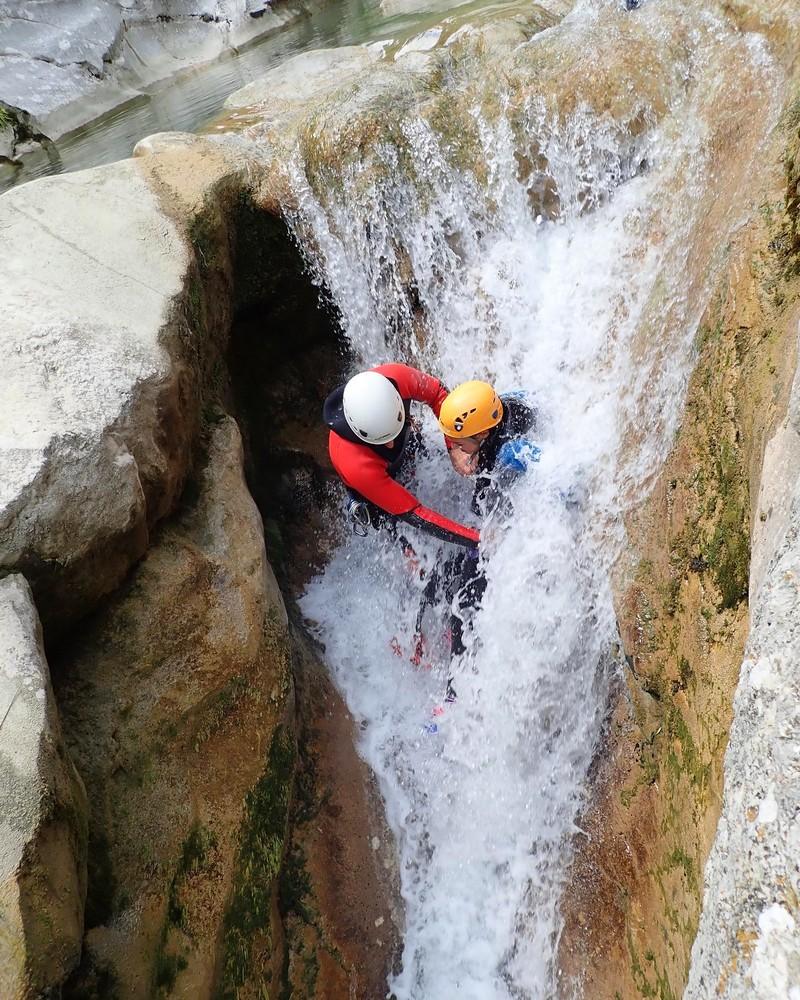 activites-aquatique-gorges-du-loup-canyoning