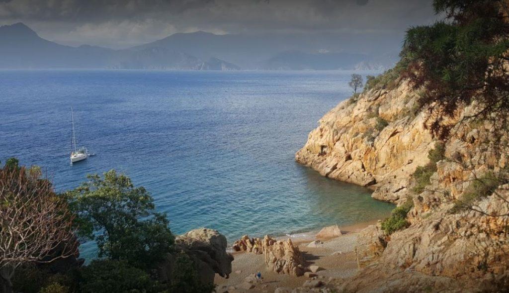 plage-Ficaghjola-calanques-piana