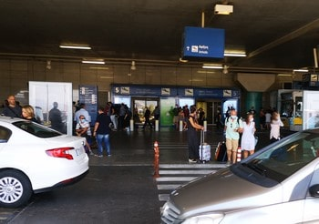 transfert-aeroport-athenes-bus-taxi-metro