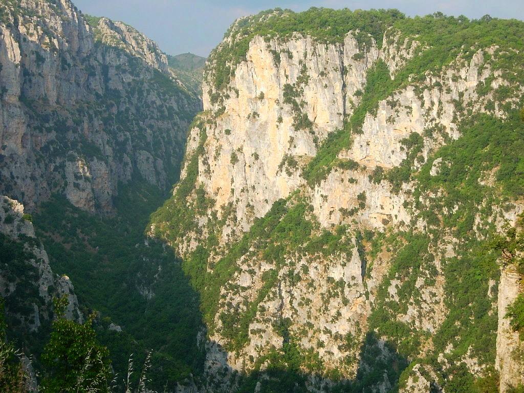 Gorges-du-Vikos-plus-large-au-monde