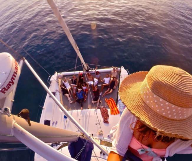 activite-marseille-catamaran-visite-calanques