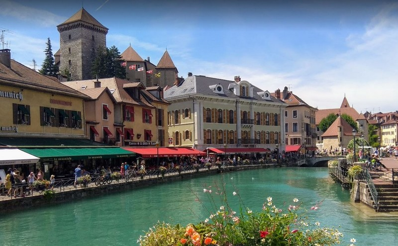 visiter-annecy-canal-Thiou
